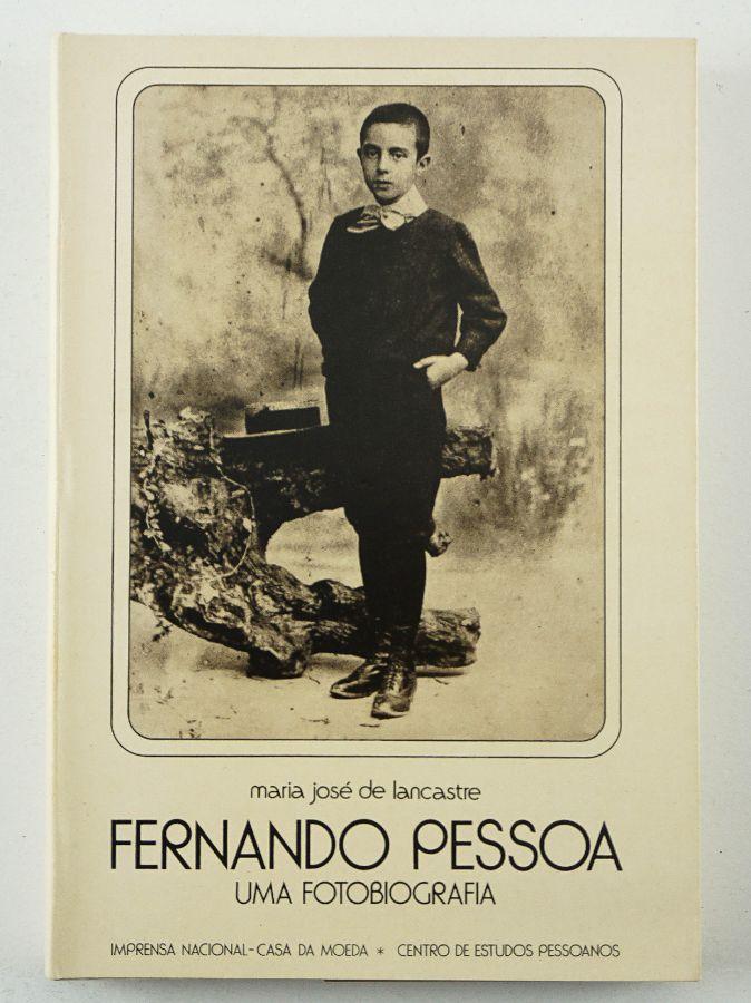 Fernando Pessoa – Uma Fotobiografia