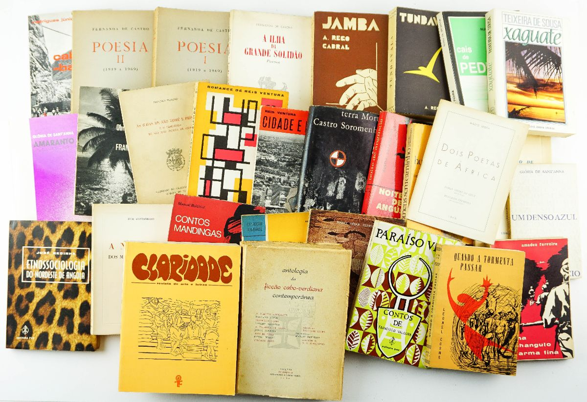 Excepcional conjunto de Literatura Ultramarina