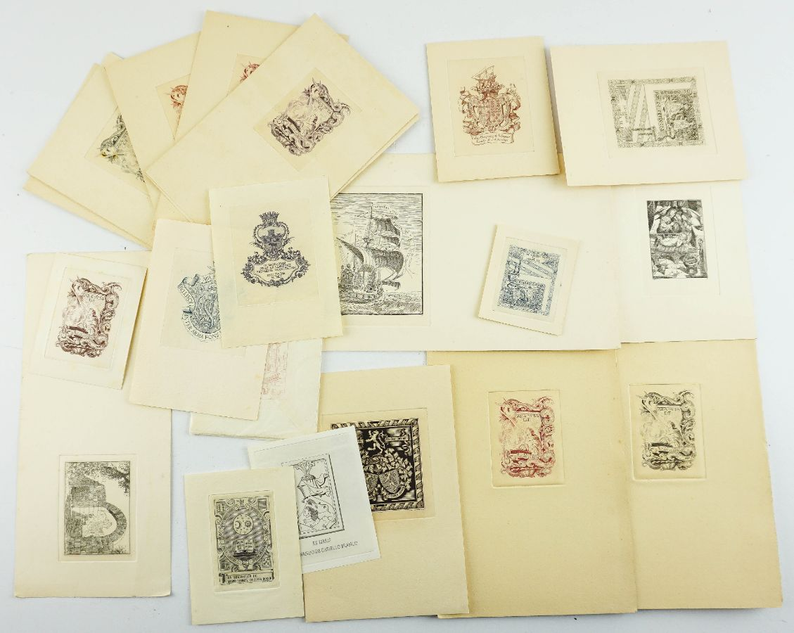 Muitas dezenas de Ex-libris (mais de 250)