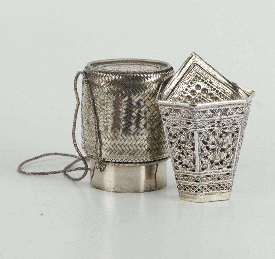 4 Peças diversas em prata
