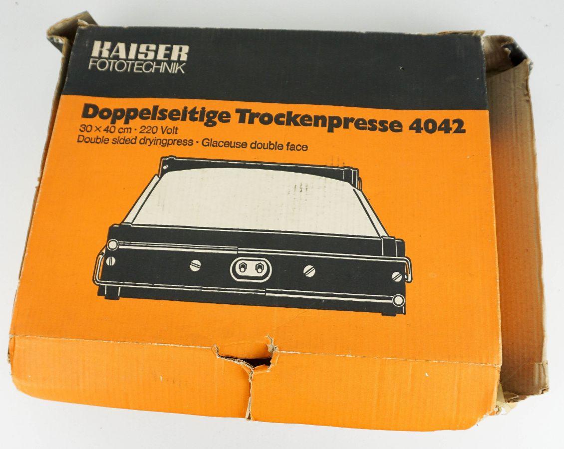 Sistema de revelação e ampliação de fotografias tipo KAISER