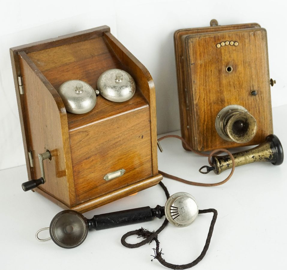 2 Telefones de parede antigos