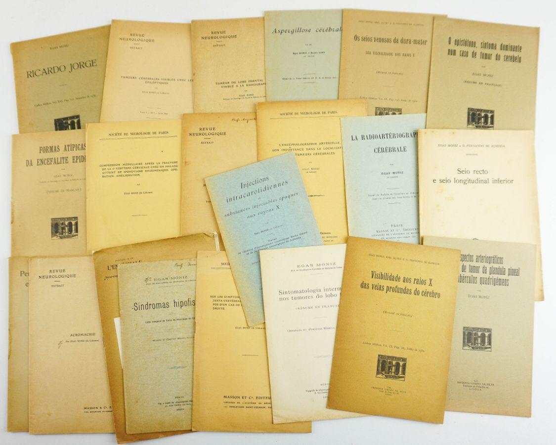 Conjunto de 20 folhetos de Medicina do Prof. Egas Moniz