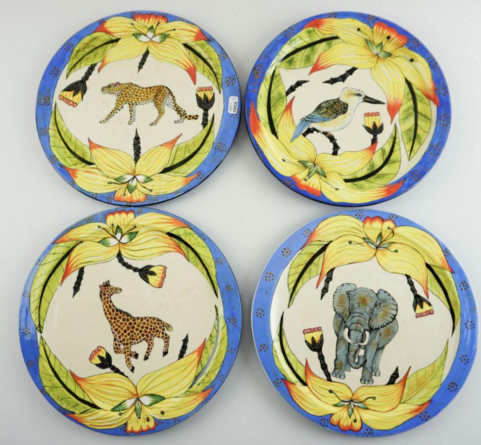 4 Pratos pintados com animais Africanos