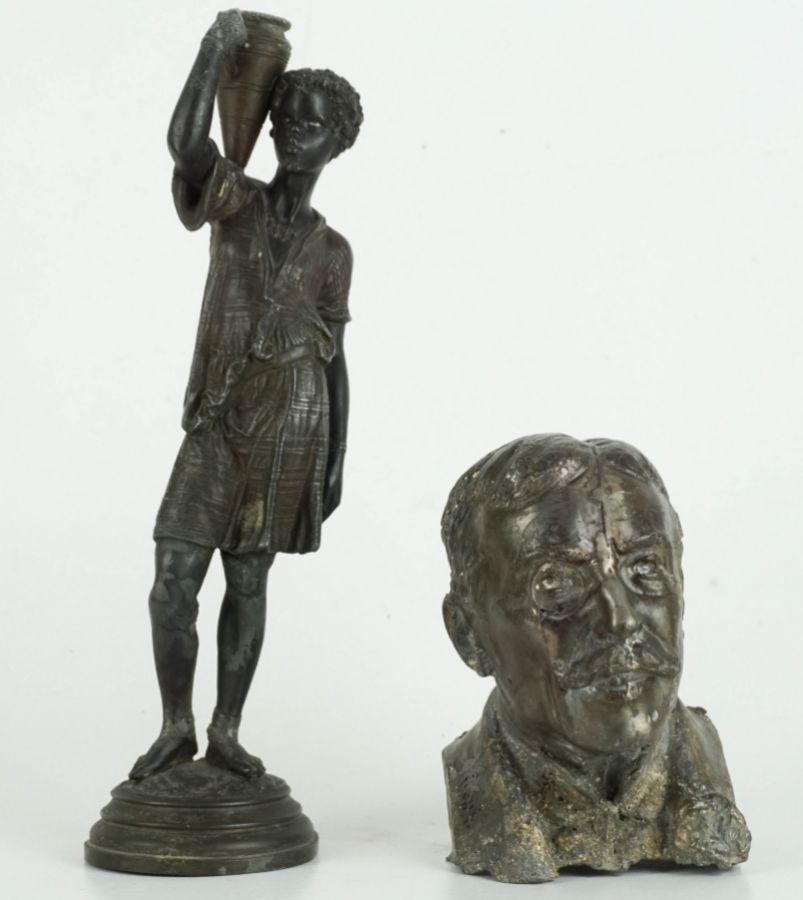 2 Esculturas em metal