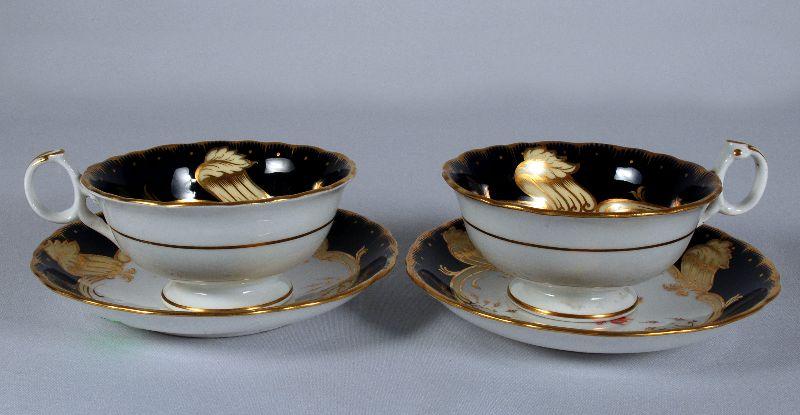 Par de Chávenas Inglesas em Porcelana