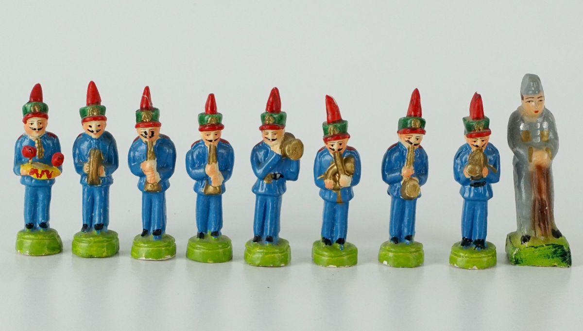 8 Músicos e Militar