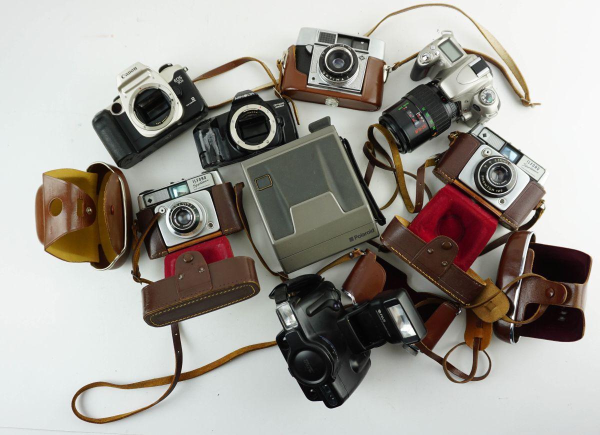 17 Aparelhos fotográficos